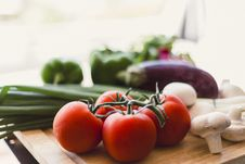 Free Fresh Vegetables On Wooden Chopping Board Stock Photo - 35851450