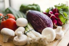 Free Fresh Vegetables On Wooden Chopping Board Stock Images - 35851464