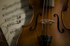Free Time To Practice Violin Royalty Free Stock Image - 35853096