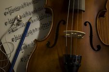 Free Time To Practice Violin Stock Images - 35853234