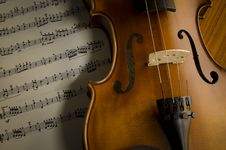 Free Time To Practice Violin Royalty Free Stock Photography - 35853537