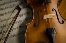 Free Time To Practice Violin Royalty Free Stock Image - 35853606