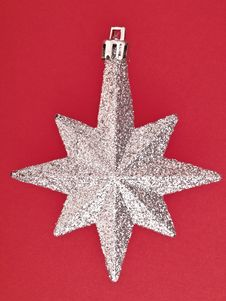 Free Ornament Star On Red Royalty Free Stock Photos - 35854028