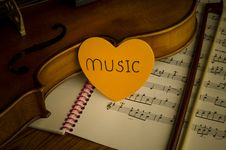 Free Time To Practice Violin Royalty Free Stock Photography - 35854207