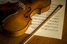 Free Time To Practice Violin Royalty Free Stock Images - 35854479