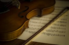 Free Time To Practice Violin Stock Photography - 35854532