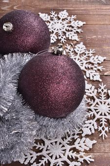 Free Christmas Balls  On Wooden Background Royalty Free Stock Images - 35863069