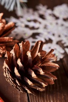 Free New Year`s Composition Of A Pine Cones Stock Photography - 35863572