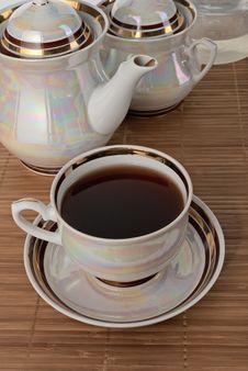 Free Tea In White Pearl Tea Utensils Stock Image - 35868201