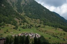 Free Hiking In Alps Royalty Free Stock Photos - 35870318