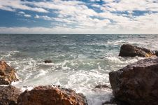 Free Rocky Coast Of The Black Sea Royalty Free Stock Photography - 35875467