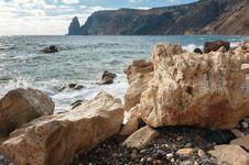 Free Rocky Coast Of The Black Sea Royalty Free Stock Photography - 35875767