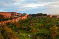 Free Siena Countryside Royalty Free Stock Photos - 35879068
