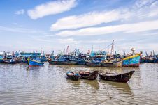 Free Fishing Boats Stock Photo - 35881870