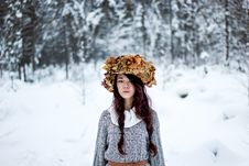 Free Forest Woman With Autumn Leaves In White Snow Winter Royalty Free Stock Images - 35889709