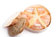 Free Backed Camembert With Bread Royalty Free Stock Photography - 3591397