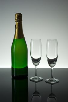 Free Champange And Glasses Royalty Free Stock Photography - 3597607