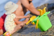 Free Father And Son Playng On Sandy Beach On Summer Out Royalty Free Stock Images - 35923599
