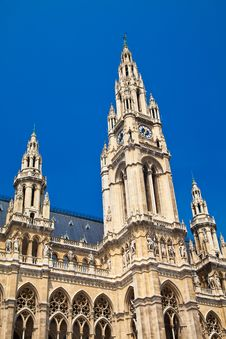 Free Towers Of Rathaus In Vienna Stock Images - 35927584