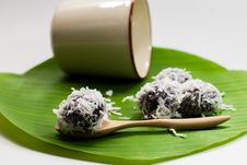 Thai Dessert Sweet Boiled Ball , Roll Over The Grated Coconut Royalty Free Stock Photos
