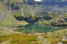 Free Turquoise Water Lake In The High Mountains Stock Images - 35941014