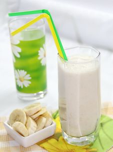 Free Banana Milkshake Stock Images - 35946474