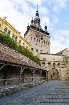 Free Sighisoara Clock Tower And Old Women S Passage Royalty Free Stock Photo - 35947345