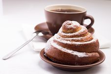 Free Cup Of Black Tea On White Napkin With Sweet Bun Stock Photo - 35953790