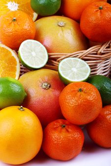 Free Mixed Citrus Royalty Free Stock Image - 35954036