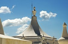 Free Convex Cupola On A Basilica Royalty Free Stock Images - 35958019