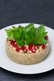 Free White Bean Pate With Nuts And Pomegranate Seeds, Vertical Stock Photos - 35960373