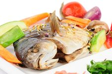 Free Fried Wish With Grilled Vegetables Stock Photos - 35967023