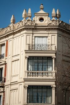 Free Building Madrid Royalty Free Stock Images - 35981299