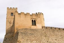 Free Castellet Castle Near Foix Dam At Barcelona, Spain Royalty Free Stock Photography - 35986067