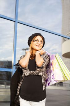 Free Young Woman Shopping Royalty Free Stock Photos - 35999548