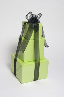 Free Green Presents Royalty Free Stock Image - 364006
