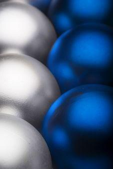 Free Christmas Ball Royalty Free Stock Image - 3601016