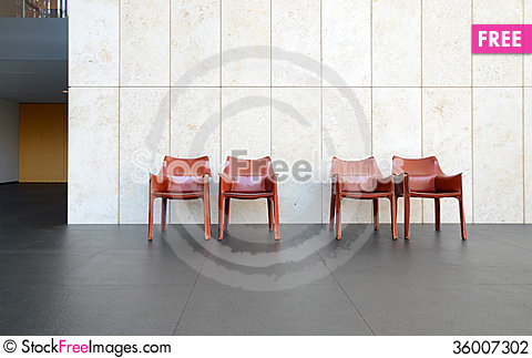 Free Beautiful Interior With Modern Leather Chair Stock Photography - 36007302
