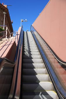 Free Street Escalator Royalty Free Stock Photo - 36006885