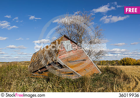 Free Decaying Shed Royalty Free Stock Image - 36019936