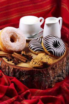 Free Donuts Zebra And Sugary Donuts Stock Image - 36010641