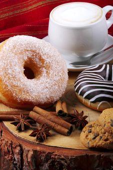 Free Donuts Zebra And Sugary Donuts Royalty Free Stock Photos - 36010828