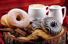 Free Donuts Zebra And Sugary Donuts Stock Images - 36011534