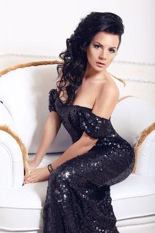 Free Beautiful Girl In Black Dress Stock Photo - 36014610