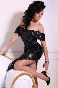 Free Beautiful Girl In Black Dress Stock Photography - 36014702