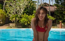 Free Young Girl In The Pool Stock Photography - 36020612