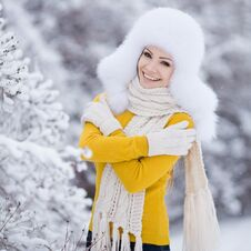 Free Winter Portrait Of Beautiful Smiling Woman With Snowflakes In White Furs Stock Photos - 36021673