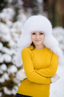 Free Winter Portrait Of Beautiful Smiling Woman With Snowflakes In White Furs Royalty Free Stock Image - 36021706