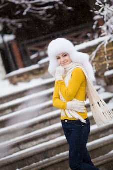 Free Winter Portrait Of Beautiful Smiling Woman With Snowflakes In White Furs Stock Photo - 36021730