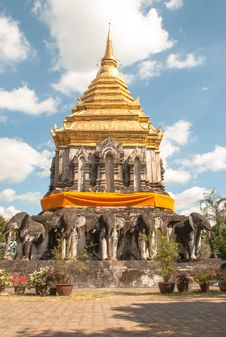 Free Thai Temple Royalty Free Stock Images - 36073759